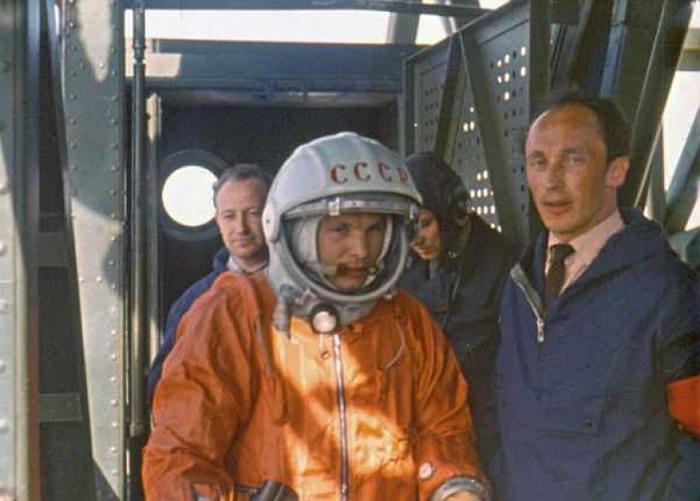 加加林为全球首位进入宇宙的宇航员,是前苏联的民族英雄。(资料图片)