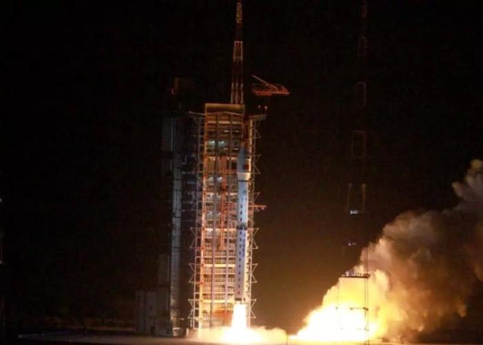 中国成功发射高分五号。