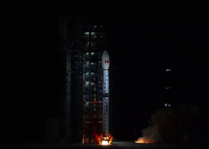 高分五号由长征四号丙火箭运载。