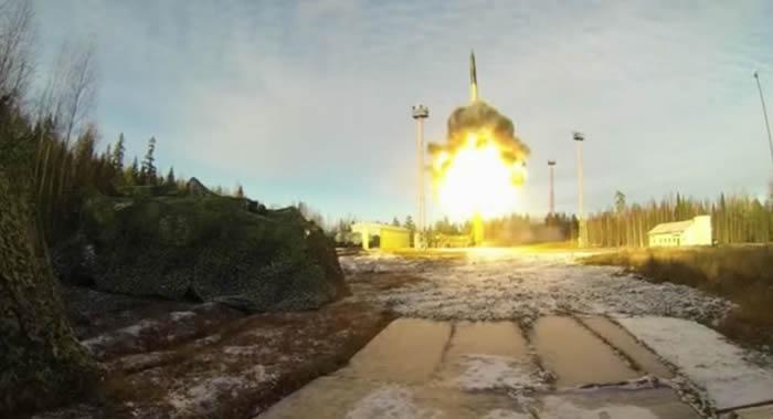 """俄罗斯重新考虑使用""""白杨""""洲际弹道导弹发射卫星的项目"""