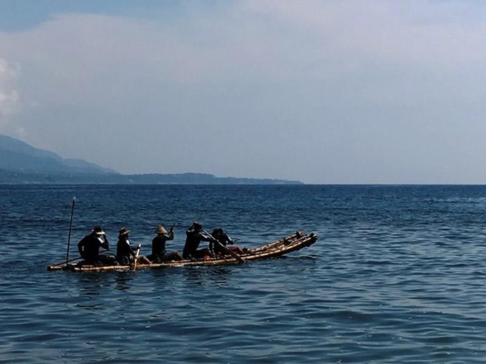 冲绳人祖先来自台湾?5人竹筏闯黑潮 解3万年前海路之谜