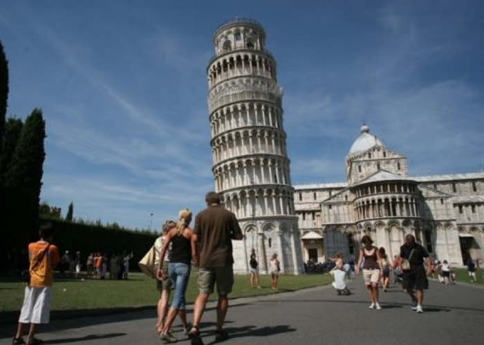 意大利科学家揭比萨斜塔不倒之谜 塔底软土成抗震关键