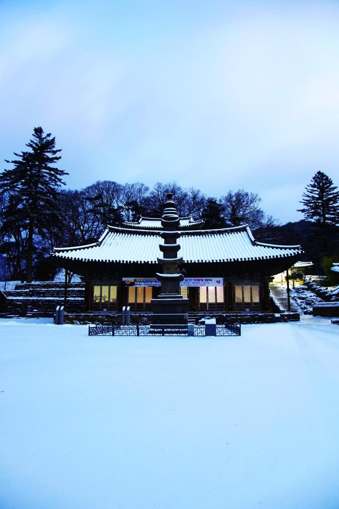 韩国:麻谷寺以山而建,见证佛教在韩国发扬普及。