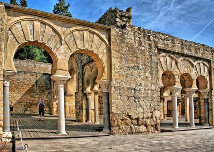 阿尔扎哈拉古城。