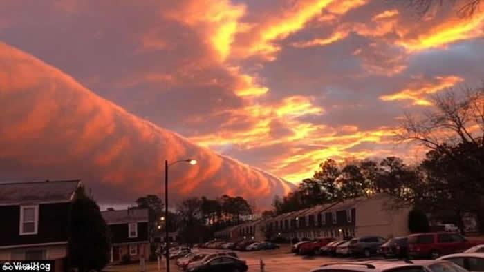 弗吉尼亚州看到的卷轴云