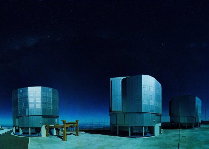 超大望远镜位于智利,成功拍摄到新生行星的诞生图片。