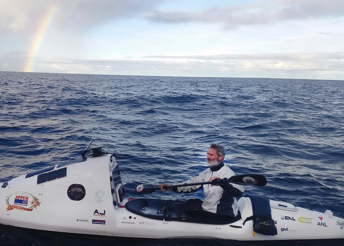 唐纳森排除万难成为划船横渡塔斯曼海的第一人。
