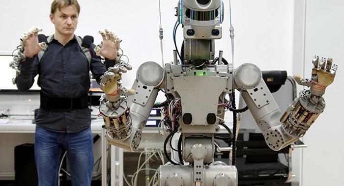 """俄罗斯计划2019年利用""""联盟""""号无人飞船将2个""""费奥多尔""""人形机器人发往国际空间站"""