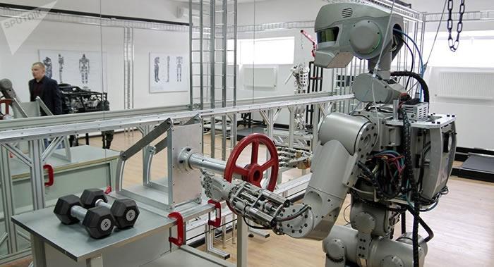 俄罗斯试验自主学习机器人