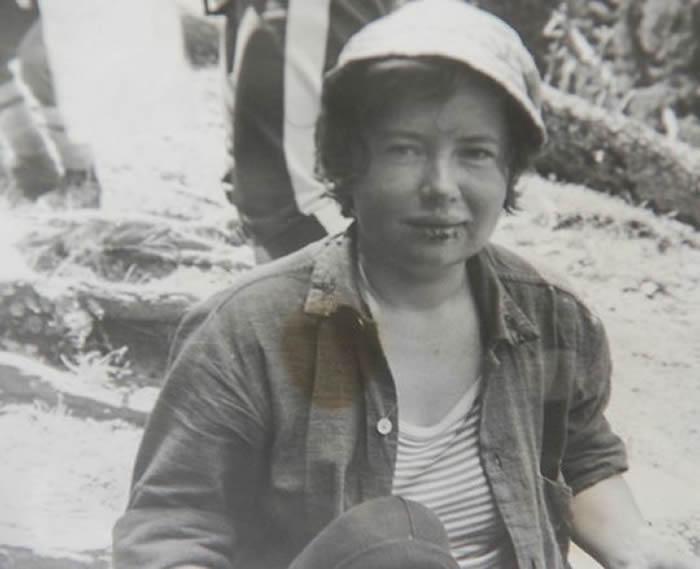 """苏联女登山客Elena Basykina失踪31年后被找到 遇雪崩尸体冰封成""""木乃伊"""""""