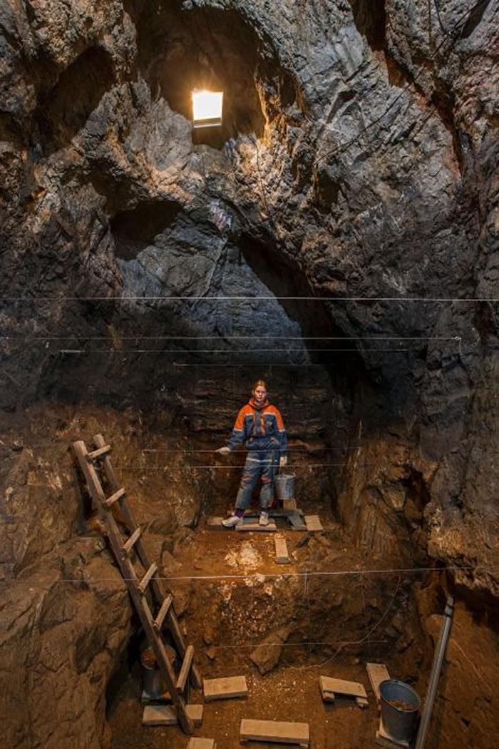 位在西伯利亚的丹尼索瓦洞穴(Denisova Cave)是已知唯一同时藏有尼安德特人(Neanderthal)、丹尼索瓦人(Denisovan)和早期现代人遗骸
