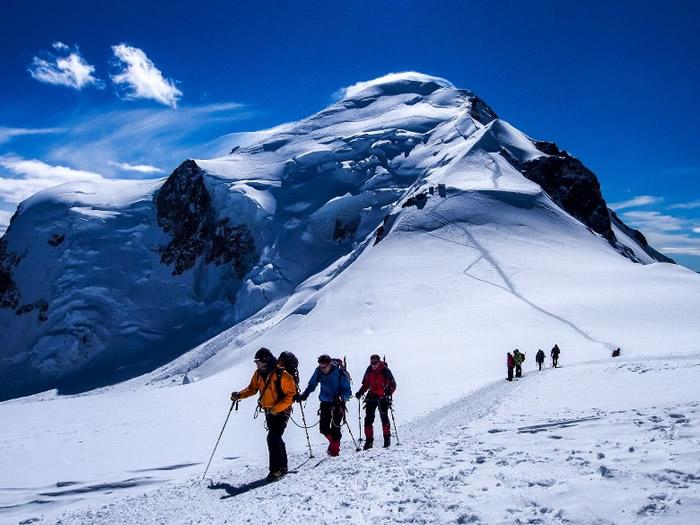 登白朗峰人数过多冲突意外频生 法国拟明年设每日限额