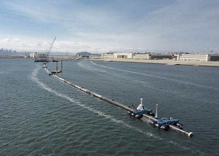 """""""海洋吸尘机""""有望清理太平洋垃圾带。"""