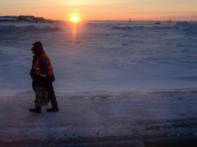 俄罗斯亚马尔半岛发现全球首座冰火山