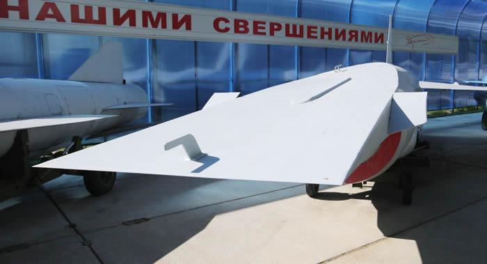 俄罗斯可重复使用的火箭级将以高超音速返回航天发射场