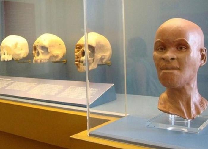 馆内原本展示了美洲大陆发现的最古老人类骸骨。