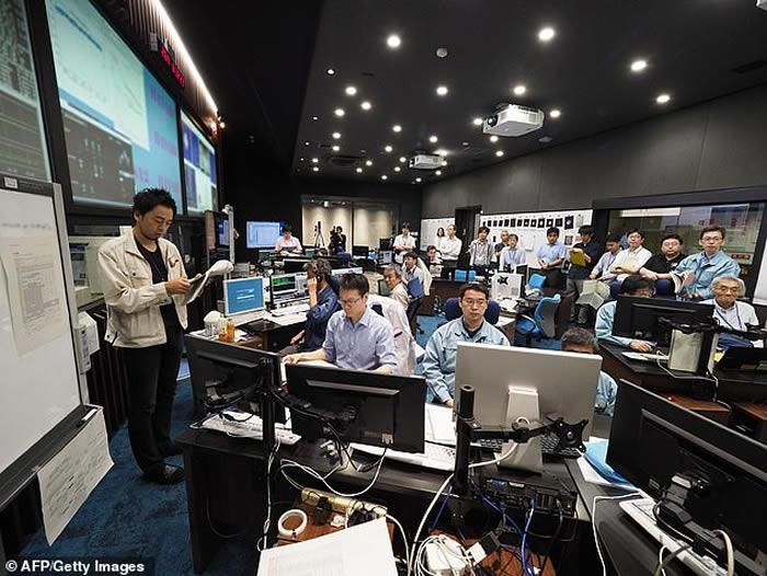 日本宇宙航空研究开发机构公布小行星龙宫表面照片