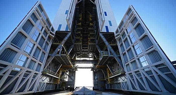 俄罗斯航天集团召开超重火箭第一次工作会议
