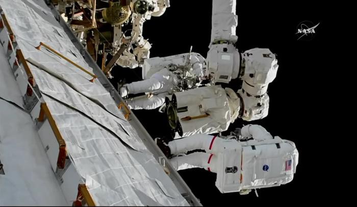 NASA:国际空间站美国舱段中使用的EMU 3003宇航服出现故障