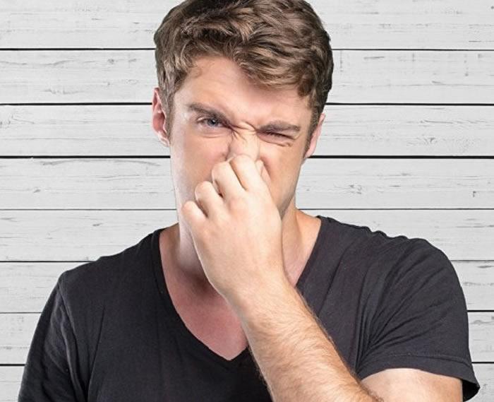 《欧洲呼吸道杂志》:研究人员解释为什么不能抠鼻子