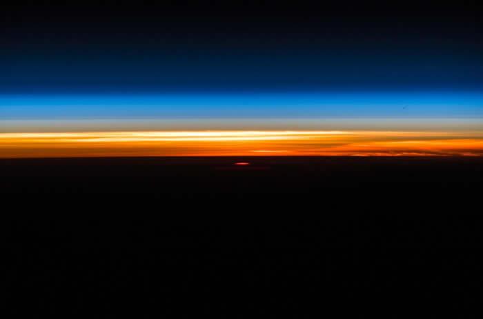 国际太空站德国太空人Alexander Gerst分享壮观轨道日出