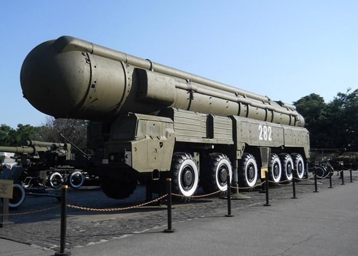 SS-20中程弹道导弹引发的危机,促使美苏签署《中程导弹条约》。