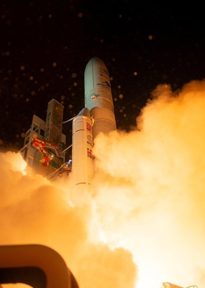 火箭升空场面壮观。
