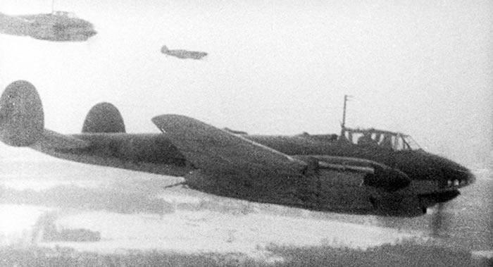 俄罗斯国防部解密有关向1941年轰炸德国柏林的飞行员发放奖金的机密文件