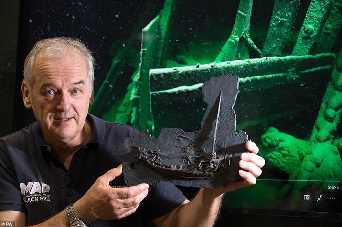 黑海海底发现一艘几乎完好无损的距今2400多年前的古希腊商船