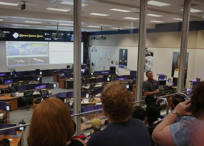 中心对外开放一间现役指挥控制室,工作人员介绍这是用于训练及测试。