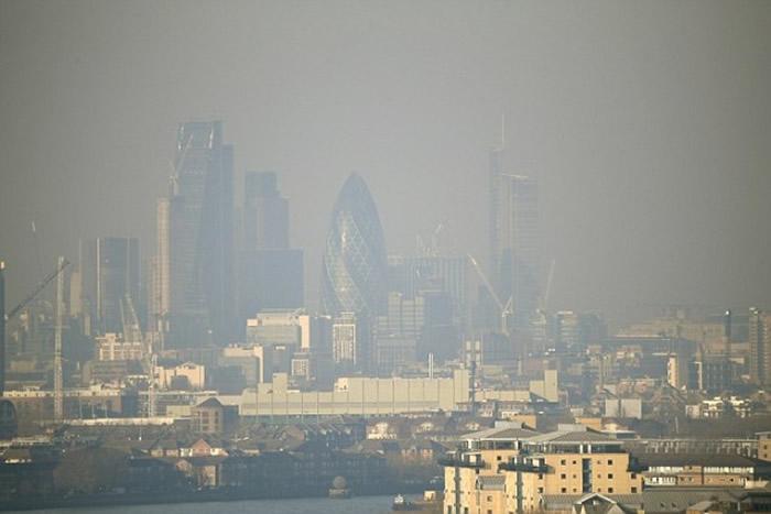 世卫指空气污染每年导致数以百万人丧生。