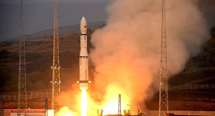 中国成功发射北斗三号系统首颗地球静止轨道卫星
