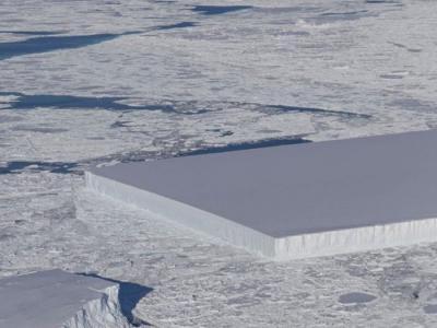 """不是外星人切的啦!专家说明南极""""超正冰山""""如何形成"""