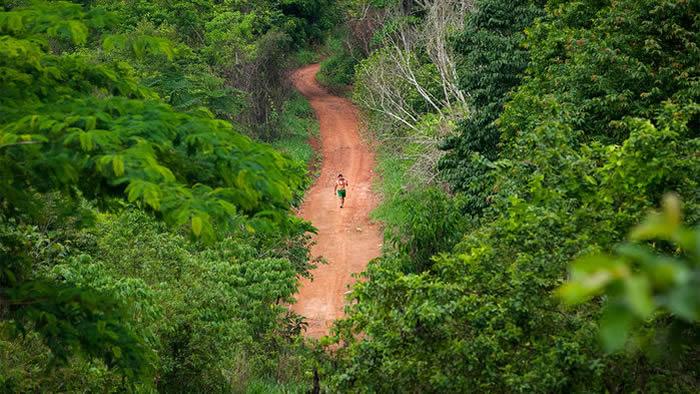 来自巴西亚马孙河流域的苏瑞人携带着澳大拉西亚血统的痕迹,现在证实其祖先是在10400年前到达南美洲的。图片来源:CRAIG STENNETT