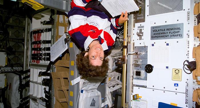 """美国希望俄罗斯建造可向""""门户""""月球轨道站运送宇航员的航天运输系统以及后续载人登月系统"""