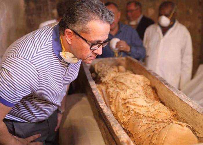 这具女木乃伊被认为是完全完整保存。