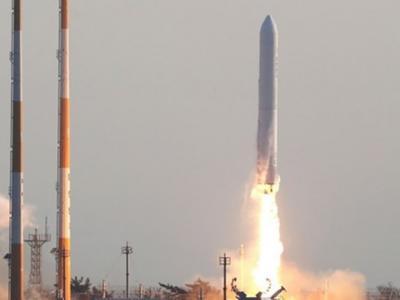 """韩国自主研发的运载火箭""""Nuri号""""试射成功"""