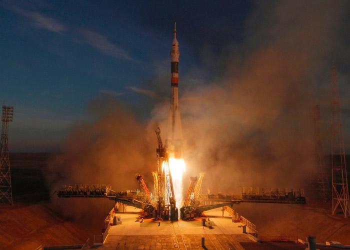 载俄加美三国宇航员 联盟MS-11号载人飞船抵达国际空间站