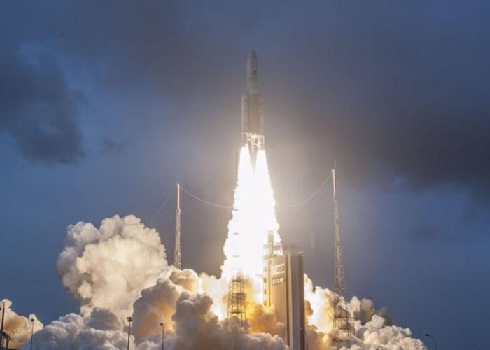 """韩国自行研发的气象卫星""""千里眼2A""""号发射成功 明年7月传回数据"""