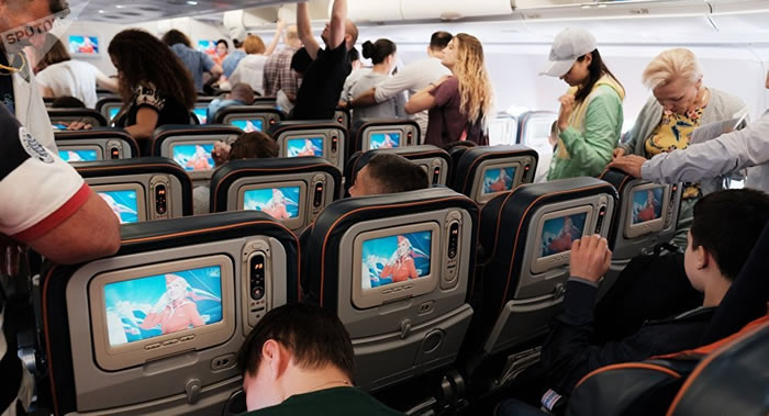 坐飞机时手机不调至飞行模式的后果