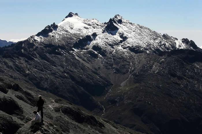 委内瑞拉安地斯山的洪保德峰保有该国最后一条冰河,但这情况维持不了多久了。 PHOTOGRAPH BY JORGE SILVA, REUTERS