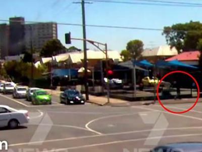 时空旅人再现?澳洲墨尔本货车爆炸前一刻 黑衣男子神秘消失
