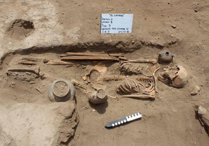 秘鲁西北部1700年历史遗址出土32具儿童遗骸