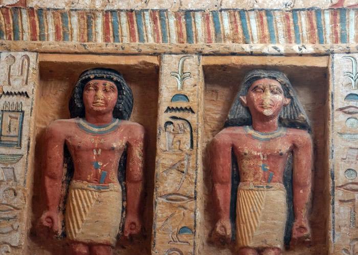 埃及开罗以南的塞加拉金字塔群发现逾4400历史