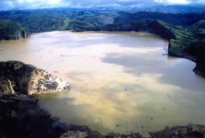 """世界上最致命湖泊:非洲喀麦隆""""尼奥斯湖""""1986年""""无声灭村""""一夜杀死1746人"""
