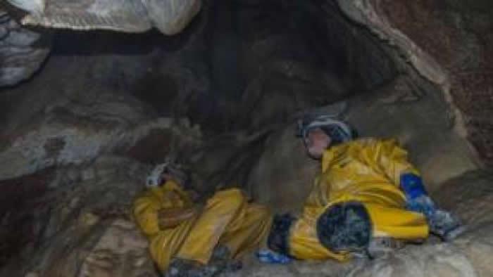 """乌兹别克8个孩子的父亲50年前进入""""亚洲最深洞穴""""Boybuloq找水源再也没出来"""