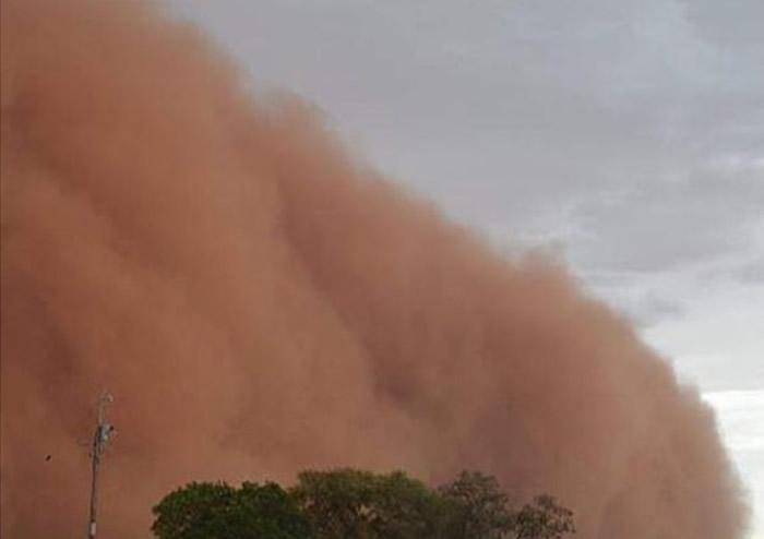 澳洲新南威尔士省沙尘暴来袭取消跨年活动