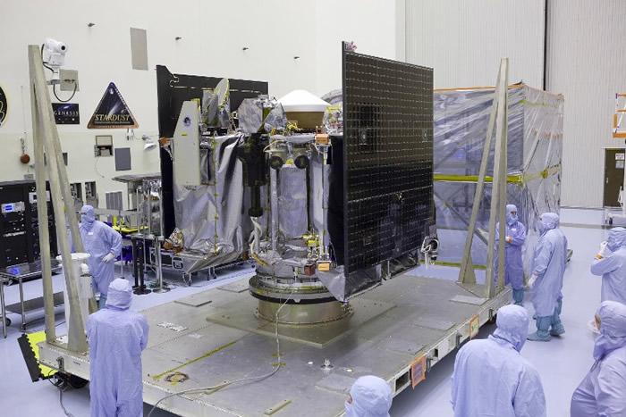 奥西里斯-REx将在贝努搜集样本供科学家研究。
