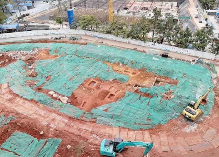广东省广州市中山大学南校区工地挖出多座古墓和水井遗址