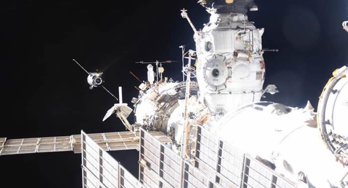 """俄罗斯""""进步MS-09""""货运飞船将于1月25日与国际空间站分离并返回地球"""